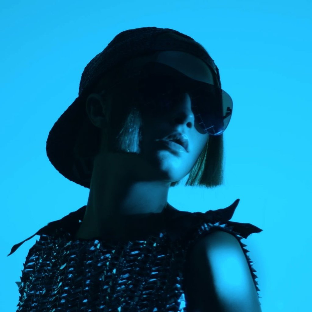 Cara Delevingne Returns to Modeling