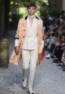 Milan-menswear-spring-summer-2016-fashion-week-Day-one-highlights-Andrea-Pompilio-Menswear-Collection-2